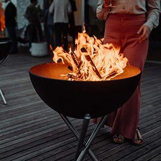 höfats Bowl Feuerschale mit Dreibein