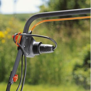 Gardena Elektro-Vertikutierer EVC 1000: Rasenlüfter