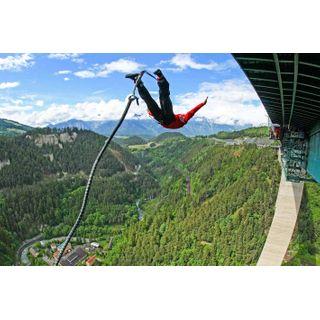 Jochen Schweizer Geschenkgutschein: 192 Meter Bungy-Sprung von der Europabrücke