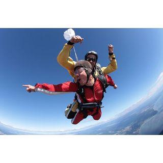 Jochen Schweizer Geschenkgutschein: Fallschirm Tandemsprung Weltweit