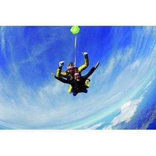 Jochen Schweizer Geschenkgutschein: Fallschirm Tandemsprung aus 5.000 Metern
