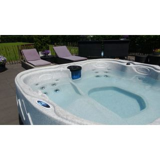 Dream 8 Outdoor Whirlpool Spa
